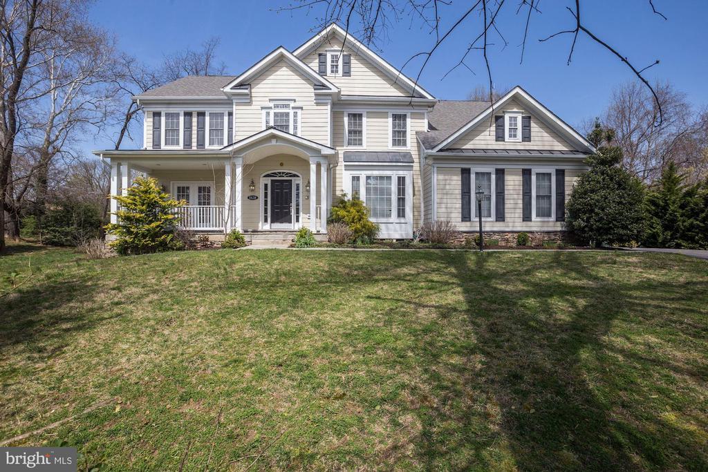 8638  DOGWOOD LANE, Fairfax, Virginia