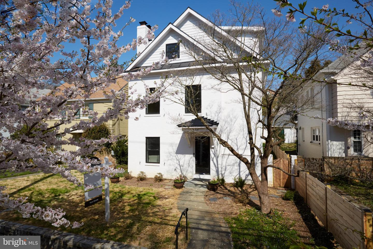 Single Family for Sale at 4481 Q St NW 4481 Q St NW Washington, District Of Columbia 20007 United States