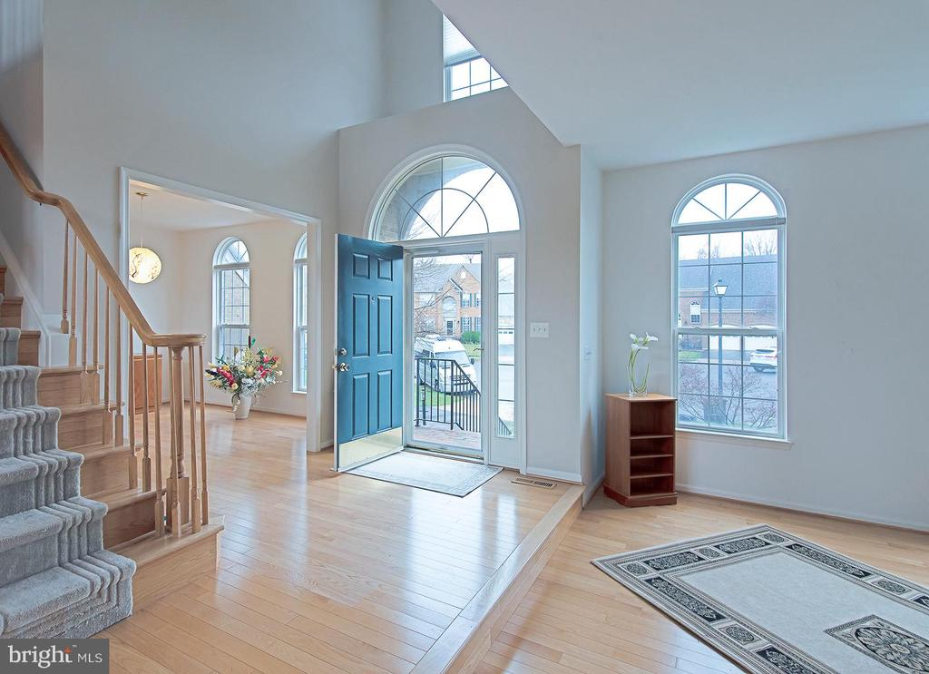 Foyer - 5312 MAPLE VALLEY CT, CENTREVILLE
