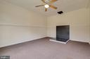 Three-season room off the family room - 30-40 VINCENT LN, STAFFORD