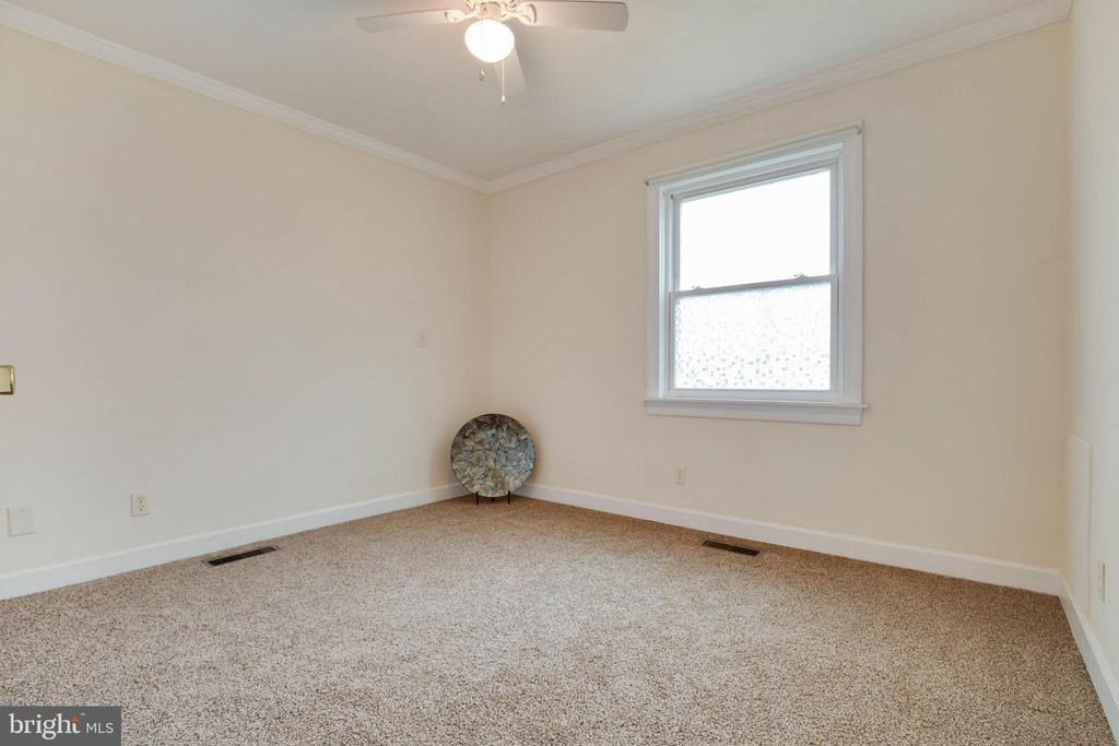 One of two bedrooms - 30-40 VINCENT LN, STAFFORD