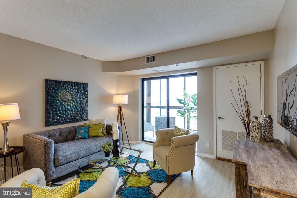 Living Room - 900 N STAFFORD ST N #1608, ARLINGTON