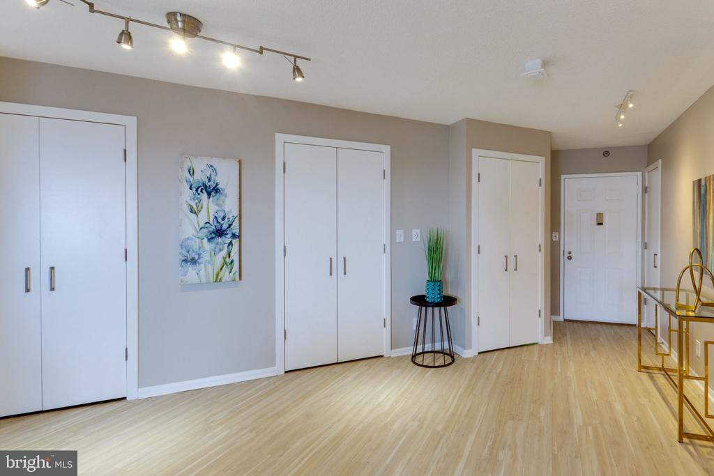Open space to work out, dance, entertain, enjoy! - 900 N STAFFORD ST N #1608, ARLINGTON