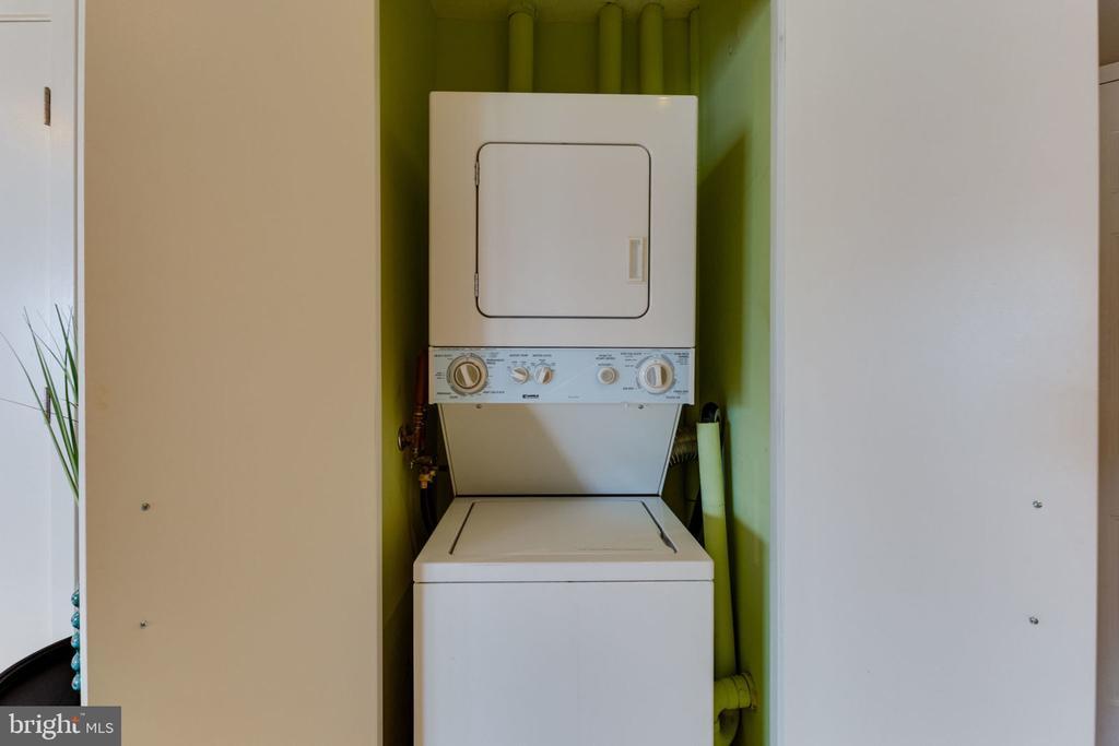 Laundry in unit - 900 N STAFFORD ST N #1608, ARLINGTON