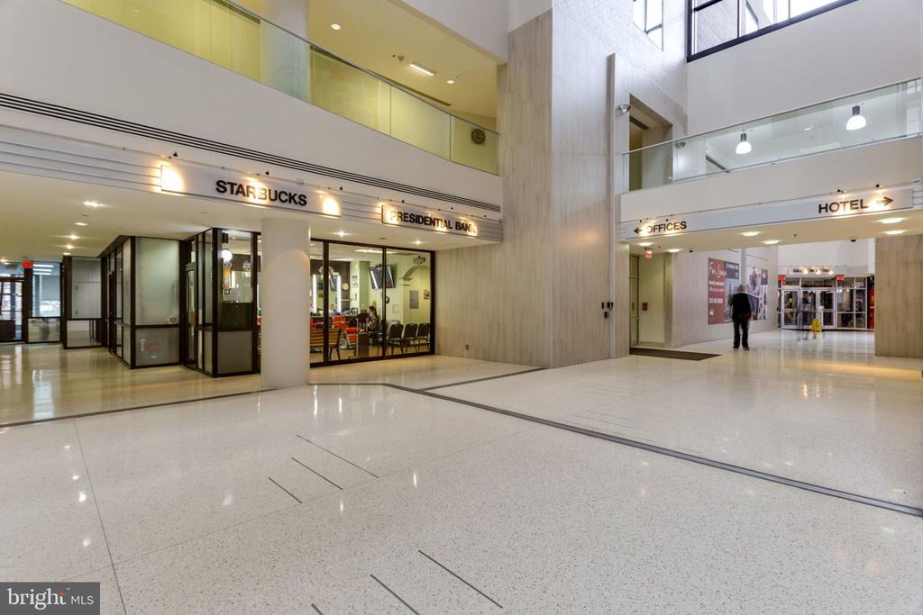 Ballston Atrium, Inside Access from AV Lobby lvl - 900 N STAFFORD ST N #1608, ARLINGTON