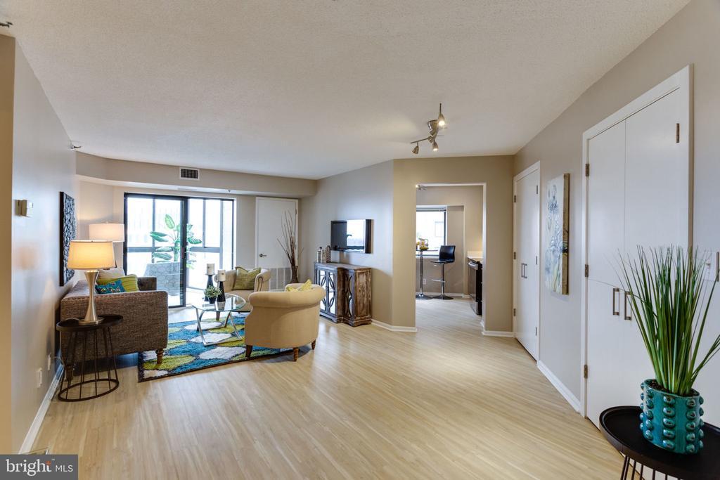 This end unit floor plan was Re-Designed in 2016 - 900 N STAFFORD ST N #1608, ARLINGTON