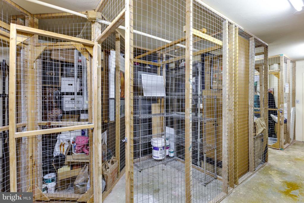 Storage on same floor - 900 N STAFFORD ST N #1608, ARLINGTON