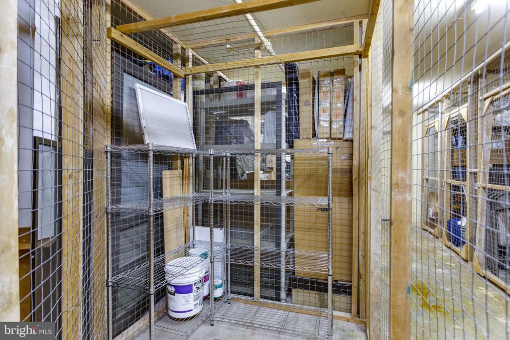 Storage unit on same floor - 900 N STAFFORD ST N #1608, ARLINGTON