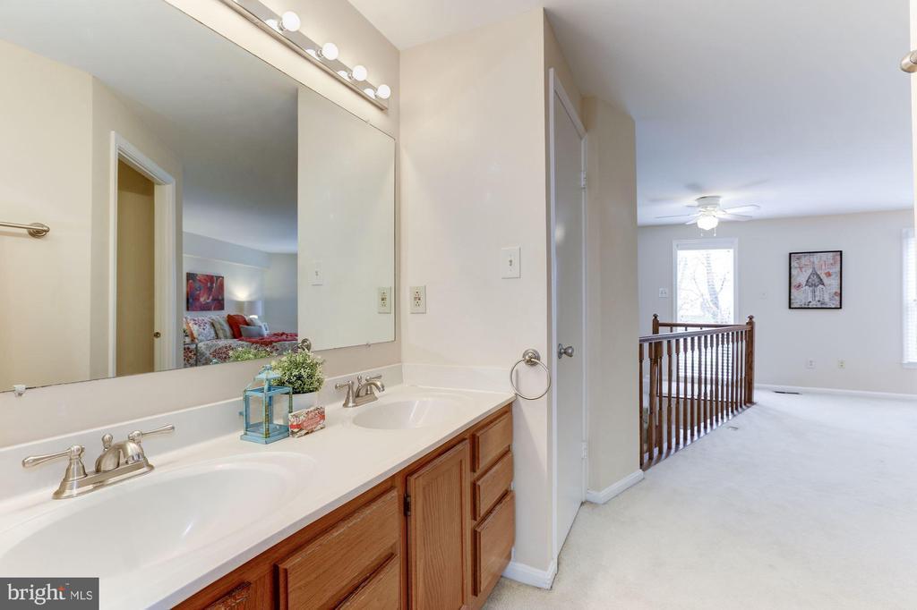 master bath on upper level - 11921 REDTREE WAY, RESTON