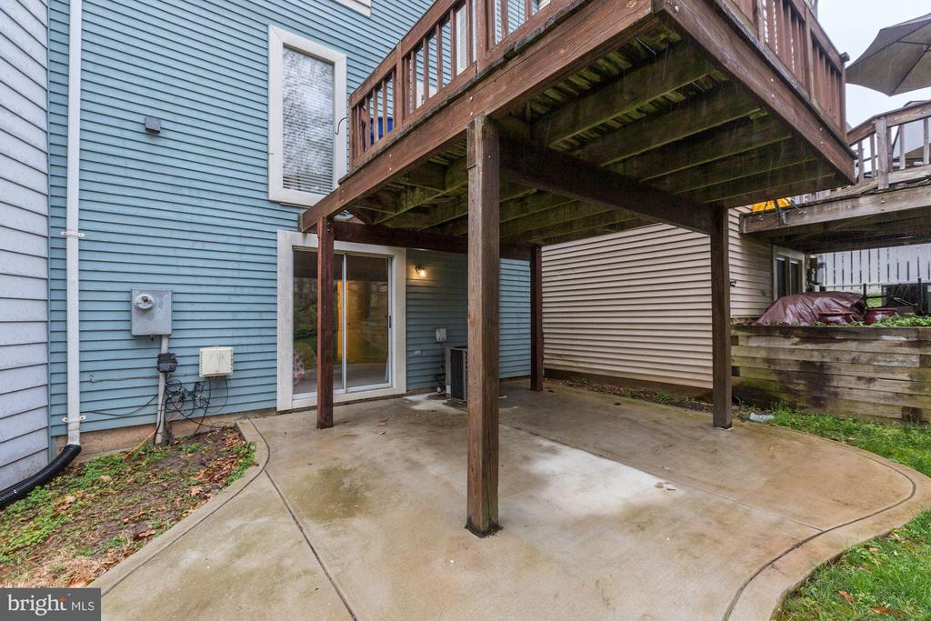 lower level patio - 11921 REDTREE WAY, RESTON