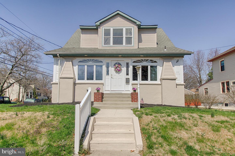 Villa per Vendita alle ore 27 E COLLINGSWOOD Avenue Oaklyn, New Jersey 08107 Stati Uniti