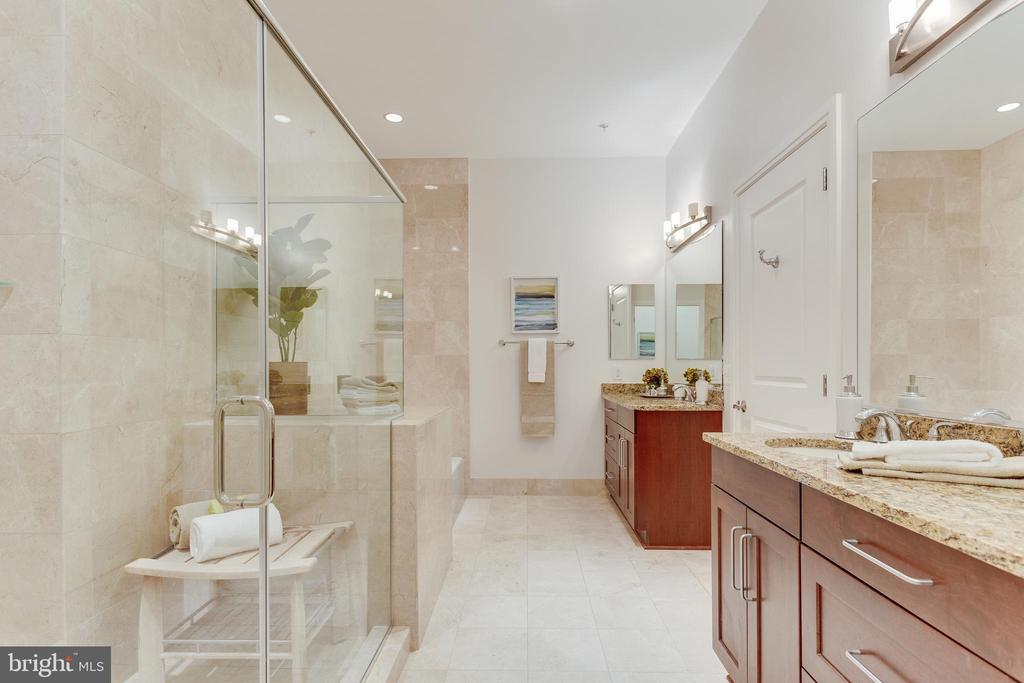 - 8220 CRESTWOOD HEIGHTS DR #1901 & 1902, MCLEAN
