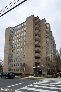 2800 WISCONSIN AVE NW #402