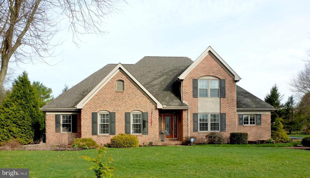 8  SILBURY HILL, Manheim Township, Pennsylvania