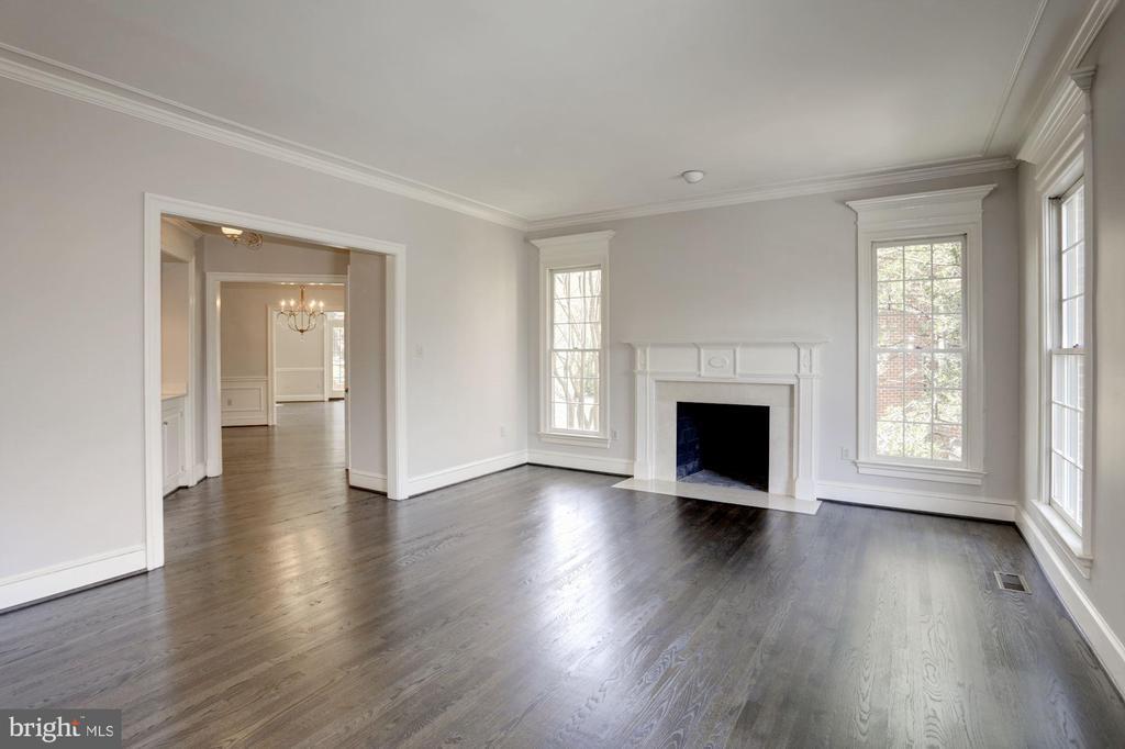 Living Room - 2351 N LINCOLN ST, ARLINGTON