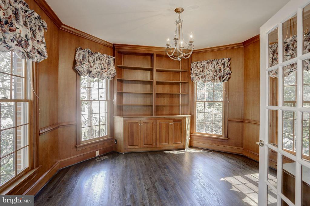 Library/ Study - 2351 N LINCOLN ST, ARLINGTON