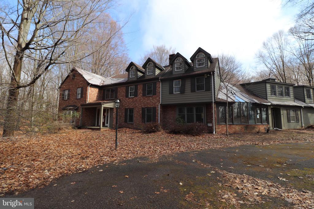 2945  BURNT HOUSE HILL ROAD, Doylestown, Pennsylvania
