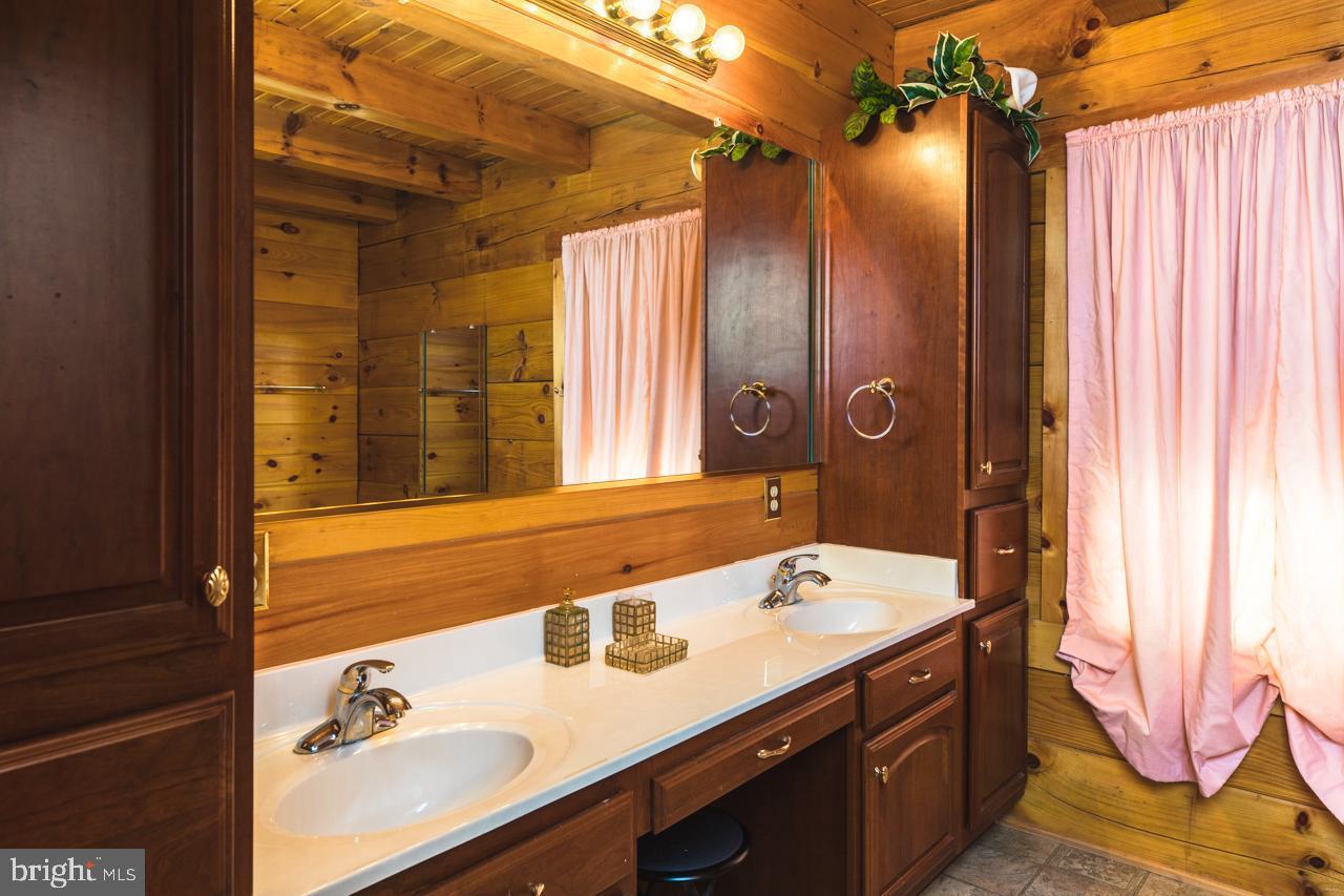 Additional photo for property listing at  McGaheysville, Virginia 22840 United States
