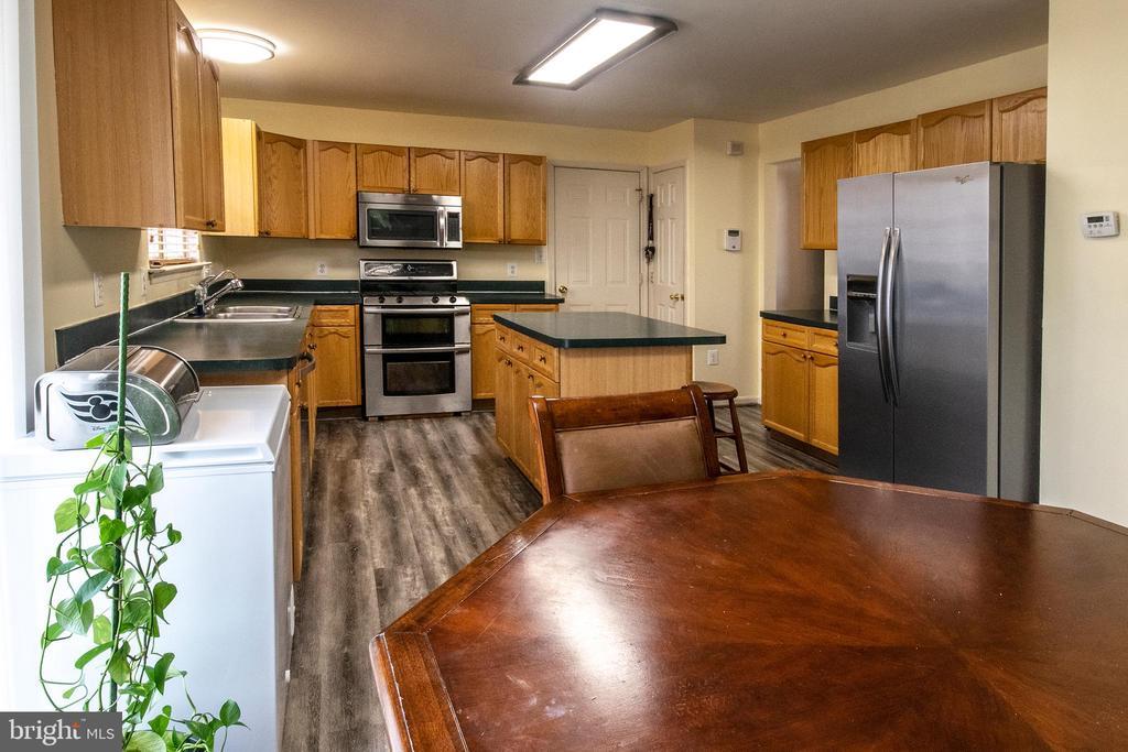 Kitchen - 3512 CARLYLE CT, FREDERICKSBURG