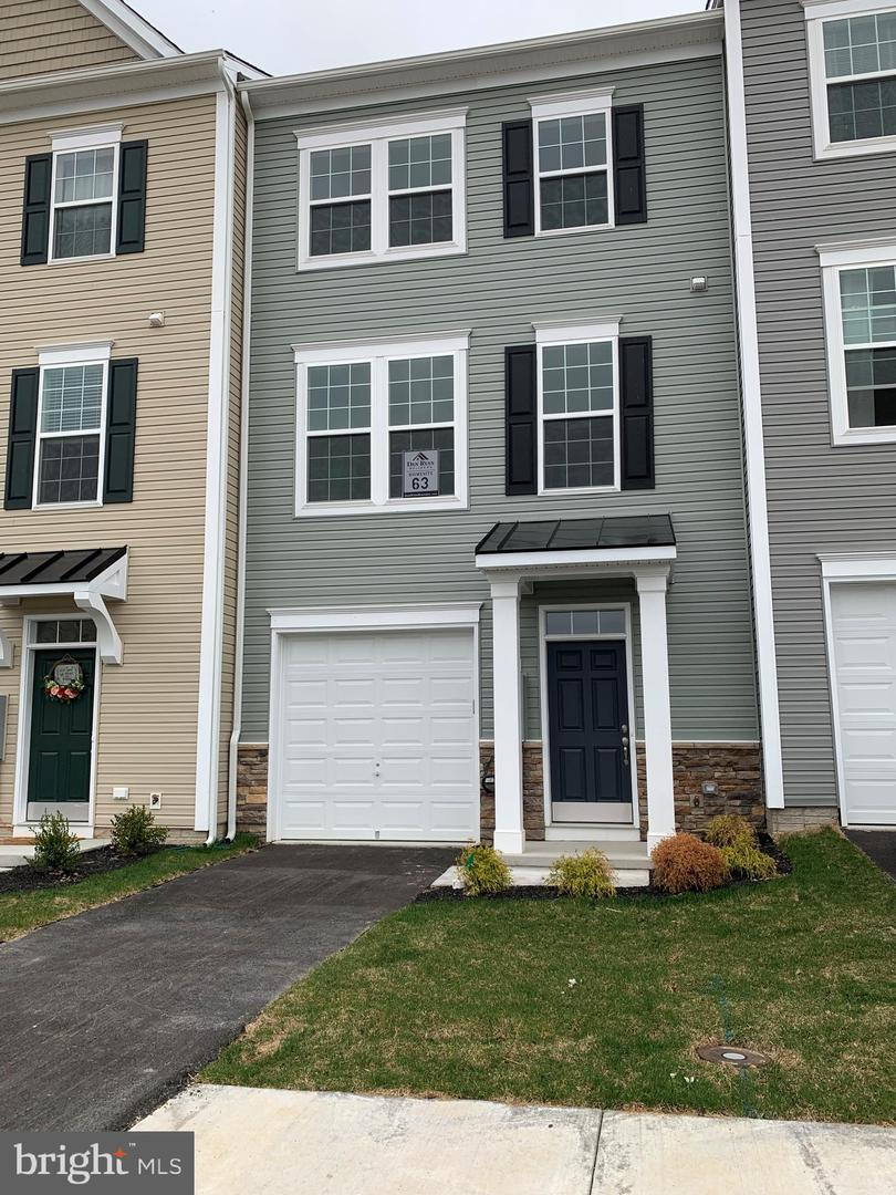 Single Family for Sale at 230 Schramm Loop 230 Schramm Loop Stephens City, Virginia 22655 United States