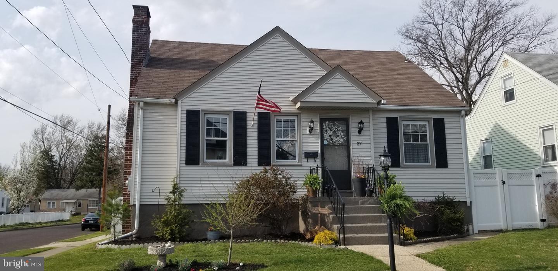 Maison unifamiliale pour l Vente à 37 4TH Avenue Mount Ephraim, New Jersey 08059 États-Unis