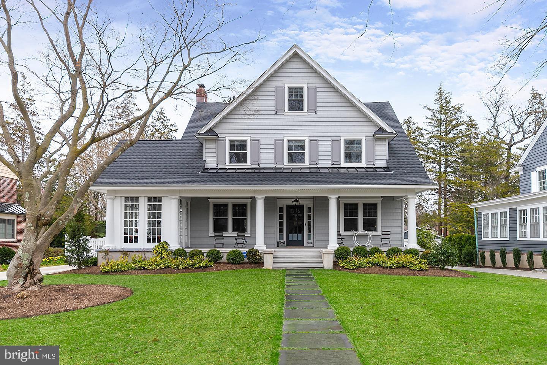Частный односемейный дом для того Продажа на 323 BELLEVUE Avenue Haddonfield, Нью-Джерси 08033 Соединенные Штаты
