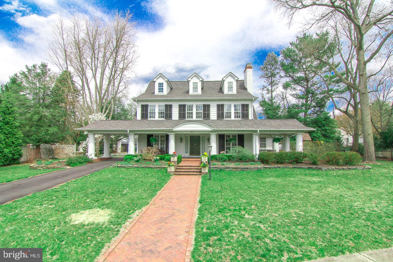 Villa per Vendita alle ore 4 GLEN LAKE Avenue Pitman, New Jersey 08071 Stati Uniti