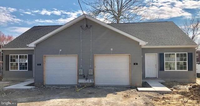 Nhà ở một gia đình vì Bán tại 2 ELSMERE BLVD Elsmere, Delaware 19805 Hoa KỳTrong/Xung quanh: Elsmere