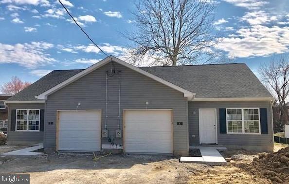 Nhà ở một gia đình vì Bán tại 4 ELSMERE BLVD Elsmere, Delaware 19805 Hoa KỳTrong/Xung quanh: Elsmere