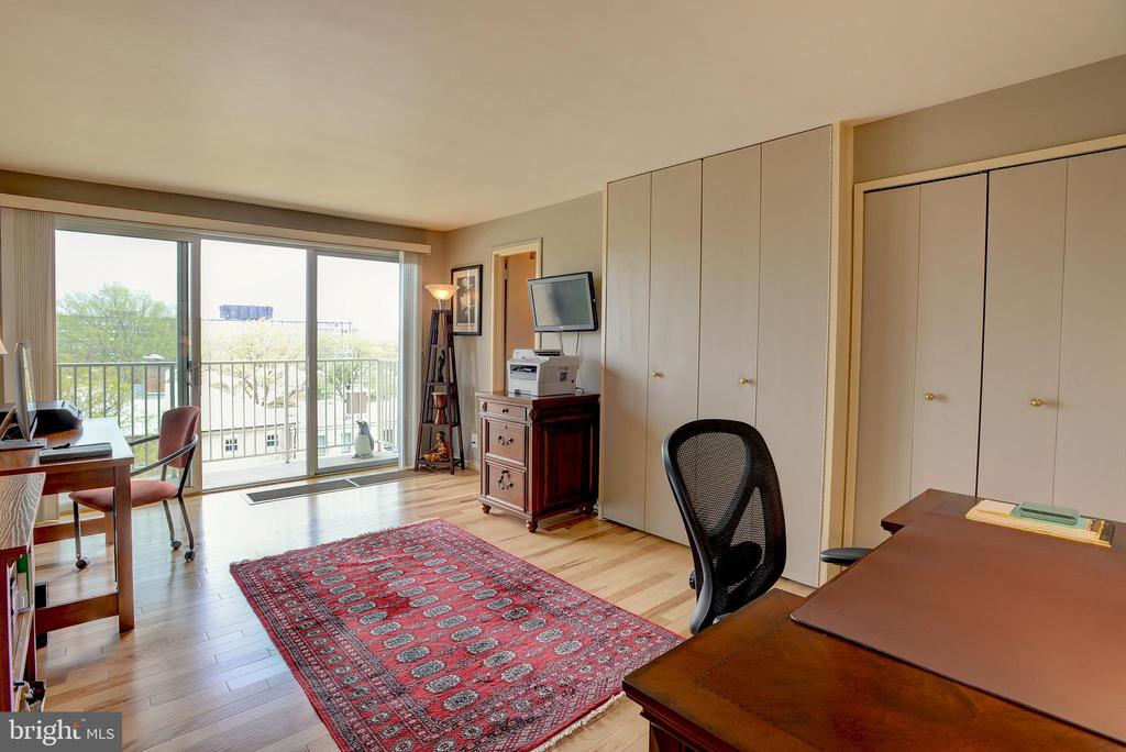 Bedroom #2 is spacious with its own outdoor access - 520 N ST SW #S621, WASHINGTON