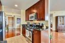 All stainless steel appliances and gas cooking - 11990 MARKET ST #413, RESTON
