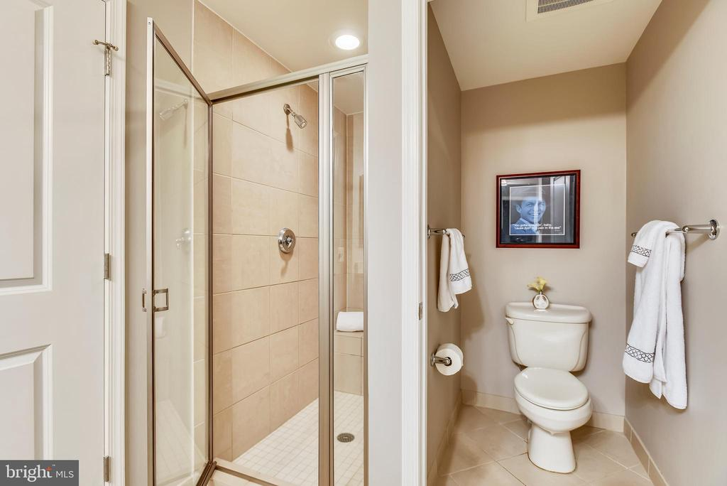 Private WC and walk in shower with ceramic tile - 11990 MARKET ST #413, RESTON