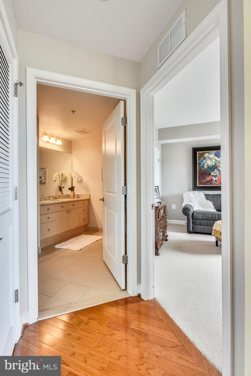 Bedroom 2 offers privacy & easy access to full BA - 11990 MARKET ST #413, RESTON