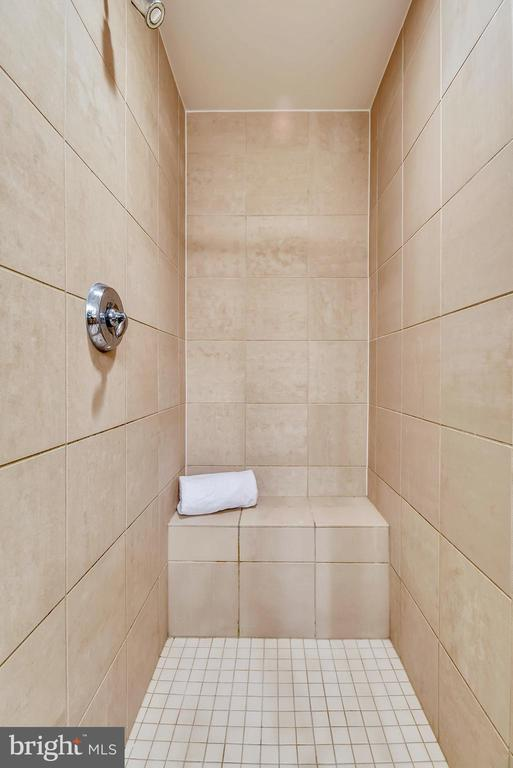 Enclosed Shower with ceramic surround - 11990 MARKET ST #413, RESTON