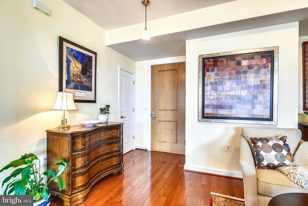Gorgeous hardwoods throughout - 11990 MARKET ST #413, RESTON
