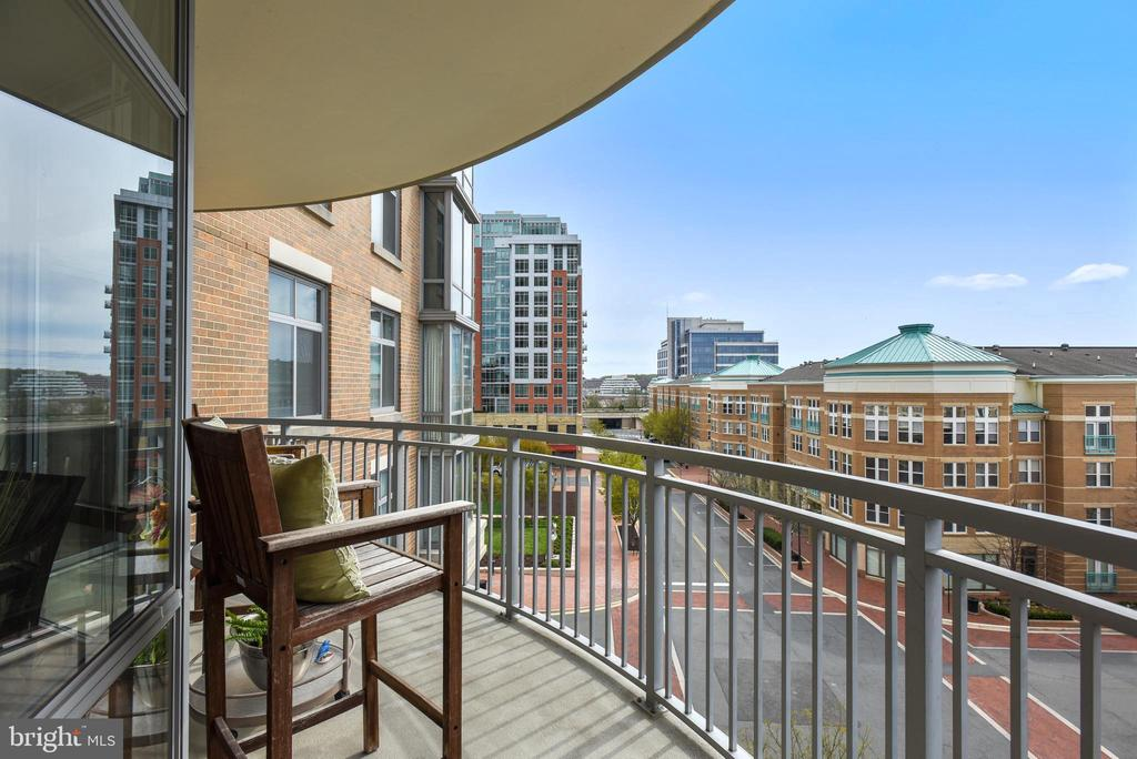 The vibrancy of urban life awaits! - 11990 MARKET ST #413, RESTON