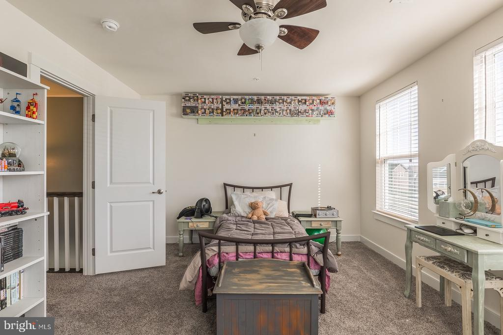 Bedroom 2 - 17040 TAKEAWAY LN, DUMFRIES