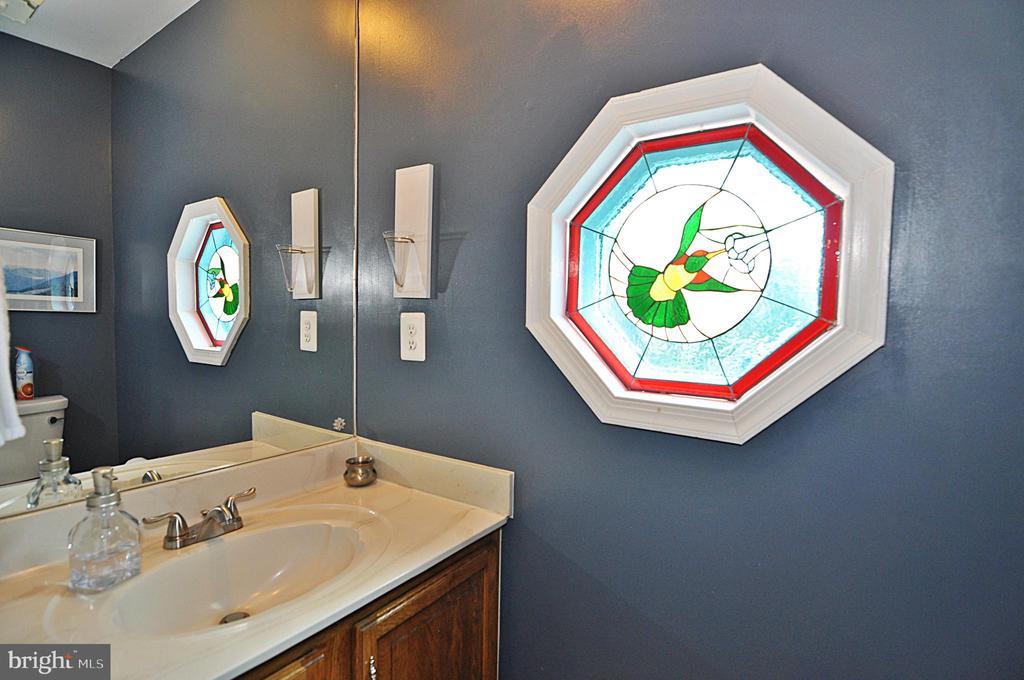 2nd floor half bath - 2415 9TH ST S, ARLINGTON