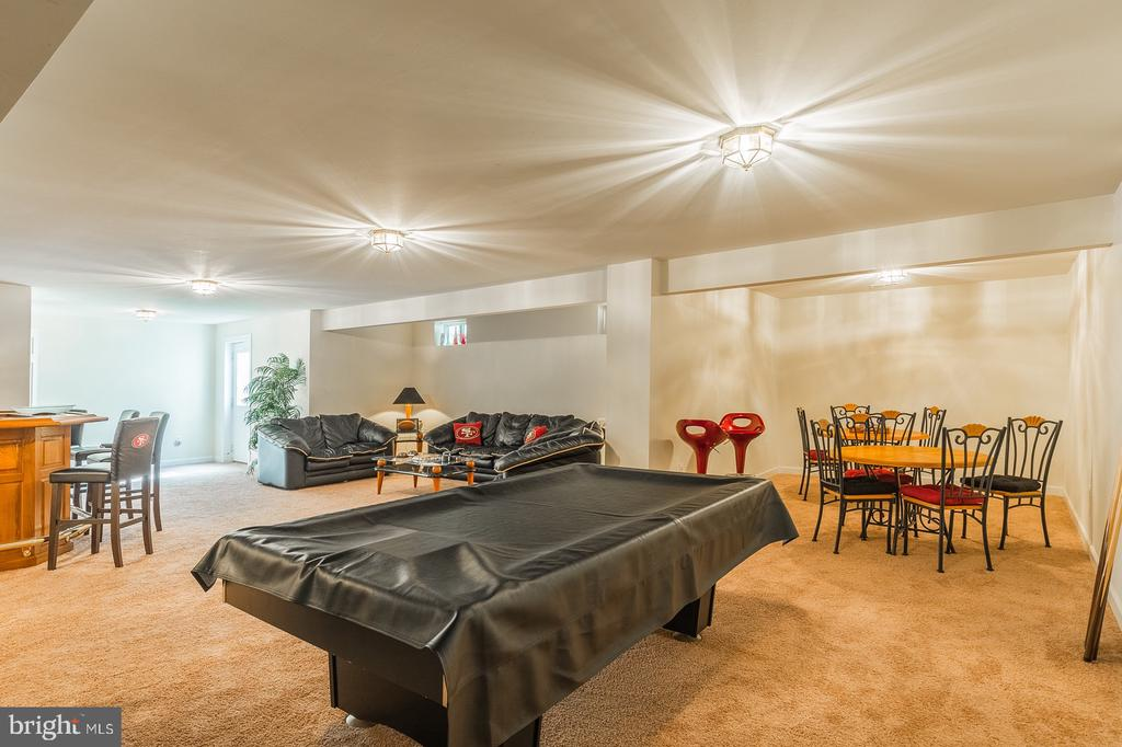 This home does not lack space to entertain - 4157 AGENCY LOOP, TRIANGLE