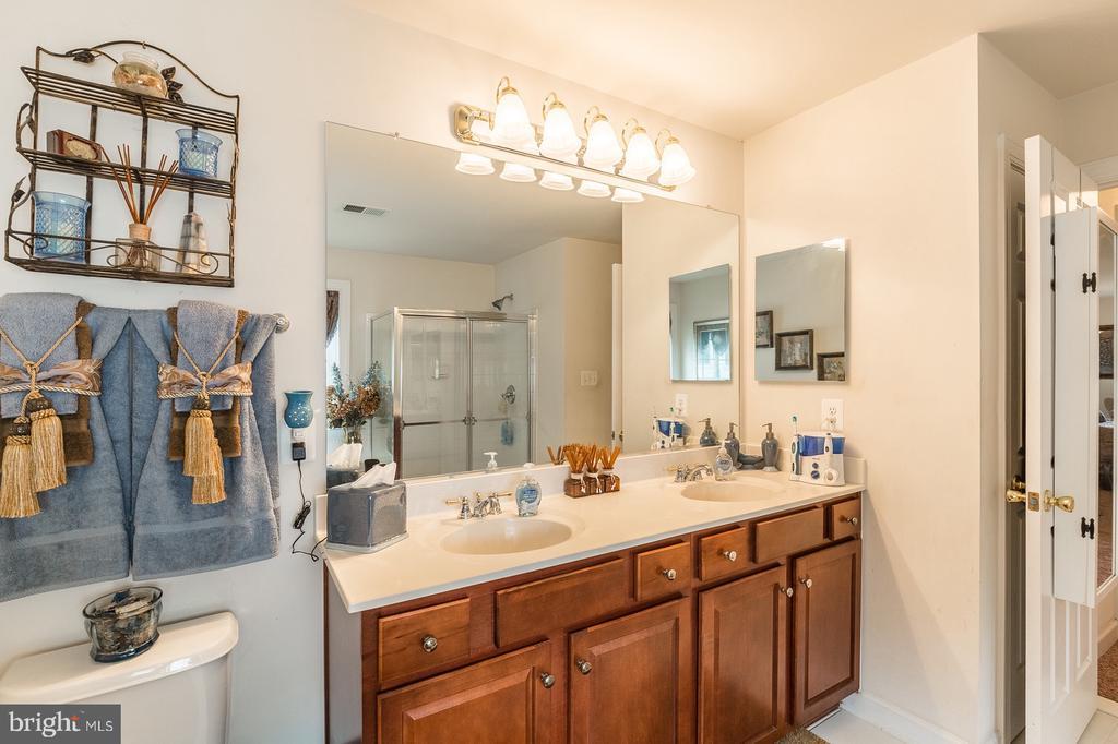 Double vanity in Master bath - 4157 AGENCY LOOP, TRIANGLE