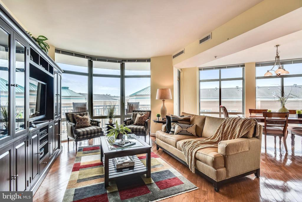 Stunning views from your curved wall of windows - 11990 MARKET ST #413, RESTON