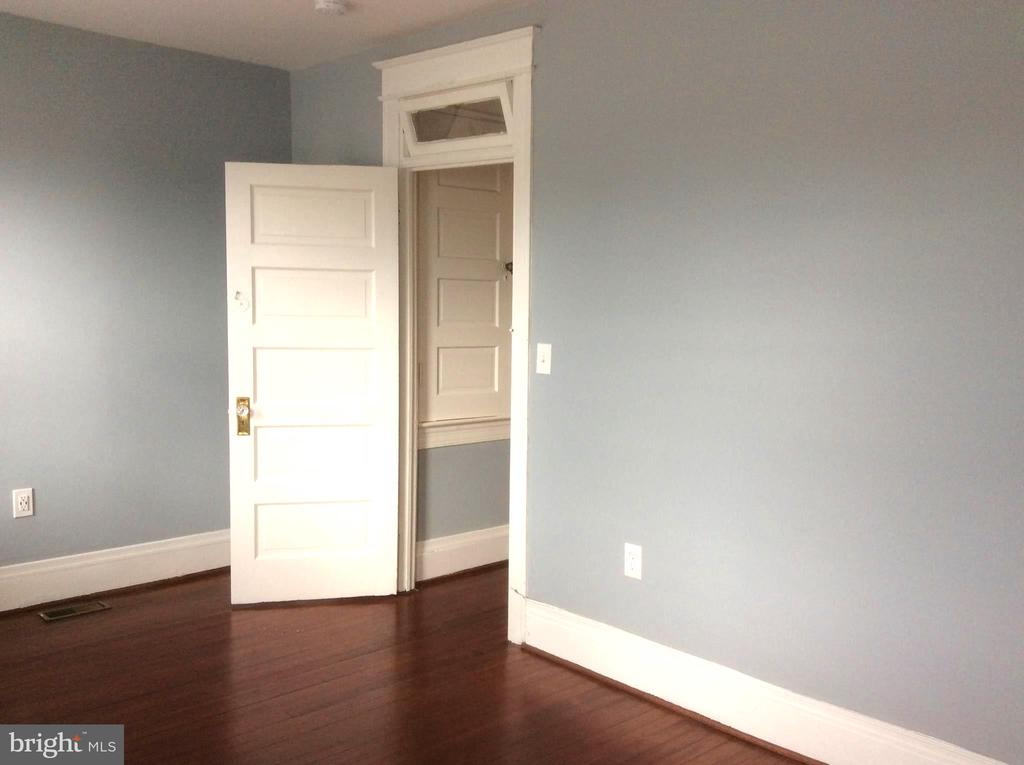 Bedroom 1 with refinished Hardwood Flooring. - 632 FRANKLIN ST NE, WASHINGTON