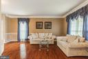 Lots of space and natural light! - 4157 AGENCY LOOP, TRIANGLE