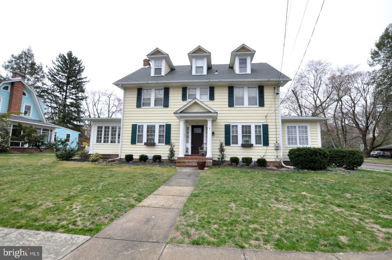 Maison unifamiliale pour l Vente à 31 BARTRAM Avenue Mount Holly, New Jersey 08060 États-Unis