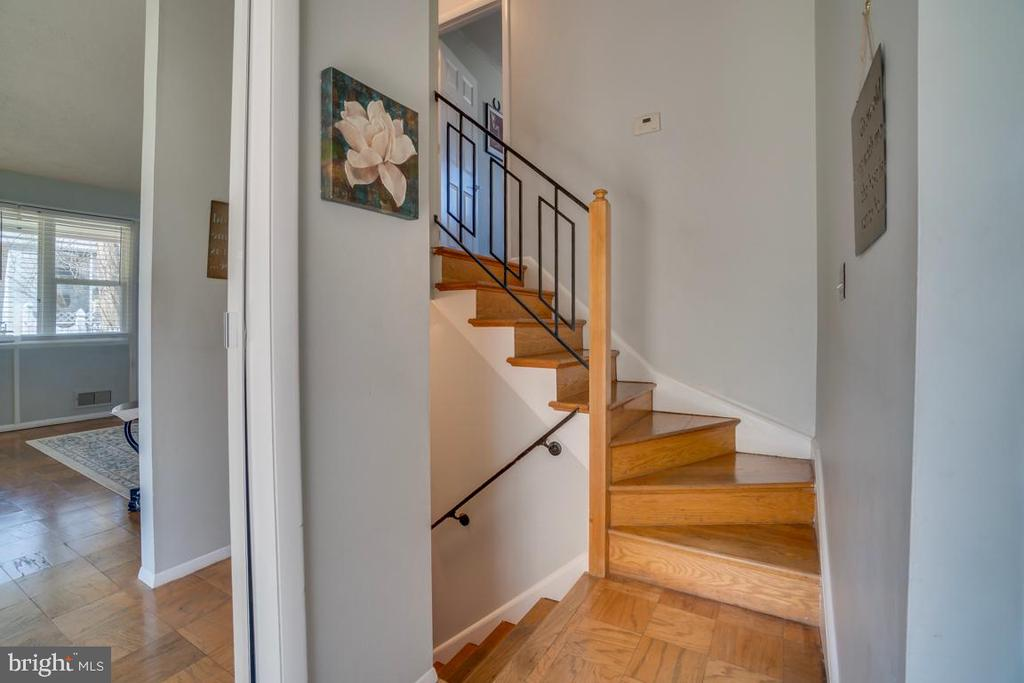 Stairs - 922 CROTON DR, ALEXANDRIA