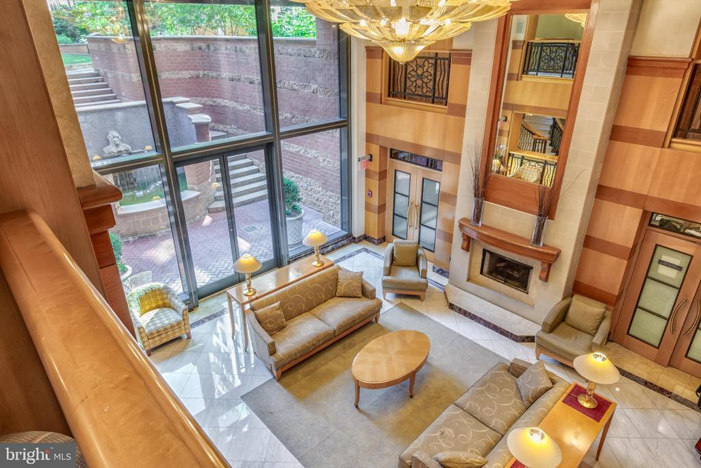 Elegant Entry Lobby and 24hr Concierge Area. - 616 E ST NW #656, WASHINGTON