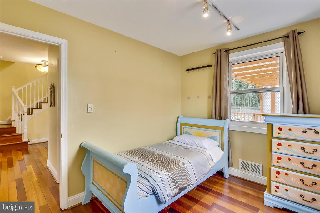 Main Level Bedroom - 4914 BANGOR DR, KENSINGTON