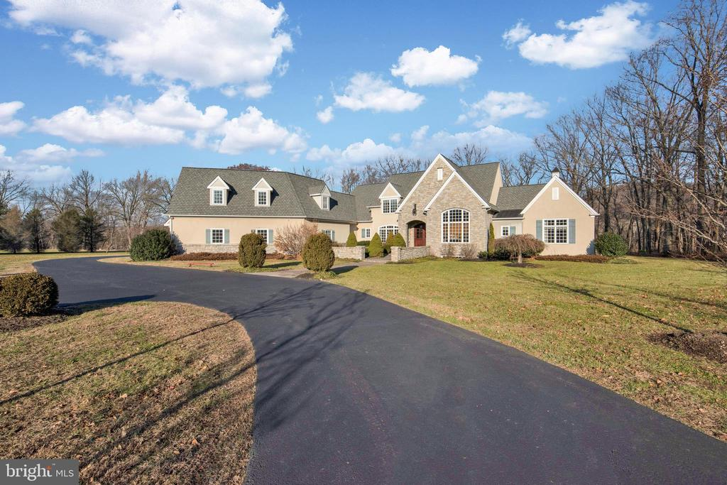 1528  PEBBLETOWN DRIVE, New Hope, Pennsylvania