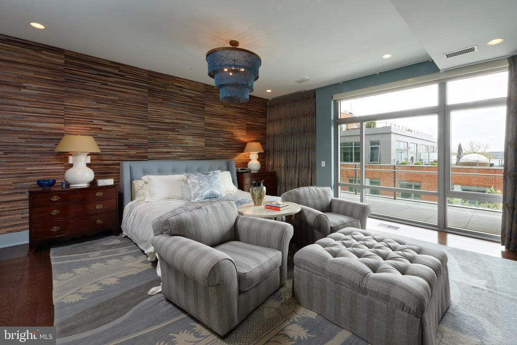 The master suite features a private terrace - 601 N FAIRFAX ST #316, ALEXANDRIA