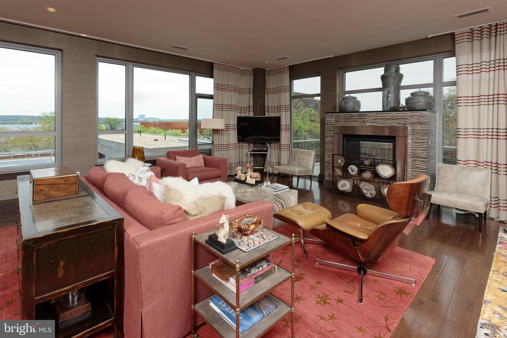 Enjoy the gas fireplace from the LR or balcony - 601 N FAIRFAX ST #316, ALEXANDRIA